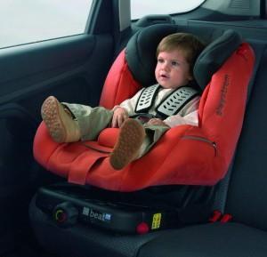 Необходимо ли брать автокресло для малыша?