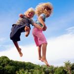 Лучшие модели детских батутов для собственного участка