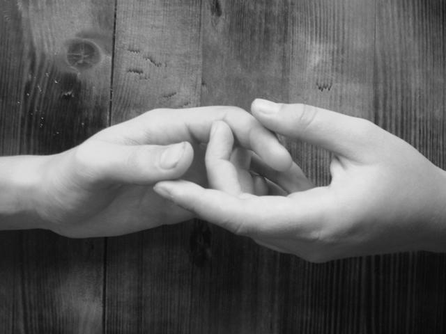 Сонник держать в руках к чему снится держать в руках 12