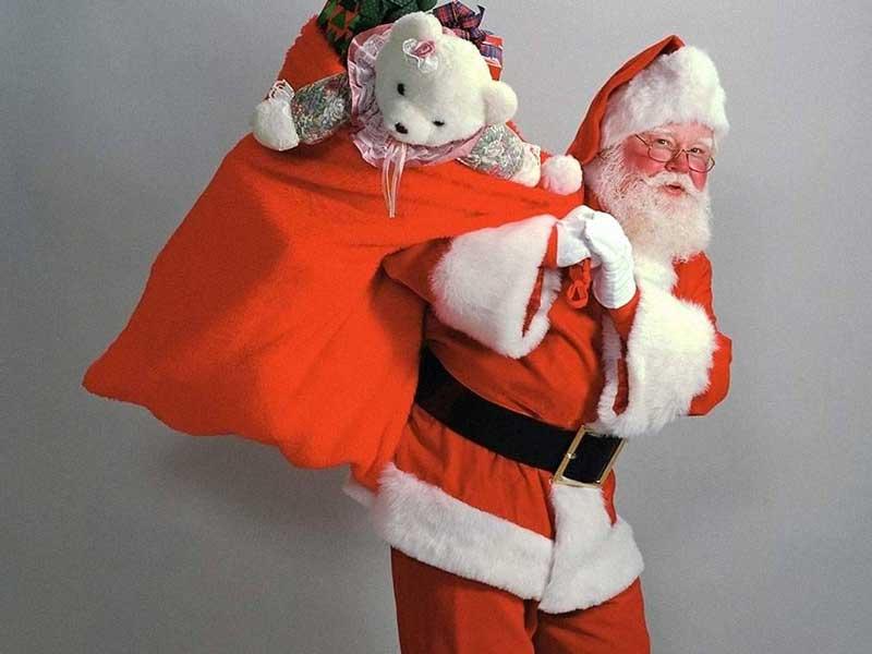 Закарпатські прокурори стали Дідами Морозами