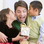 Что подарить папе на новогодние праздники - лучшие идеи подарков папам на Новый год!