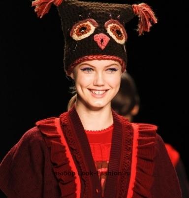 схема вязания и описание модной шапки с бубоном 2013.