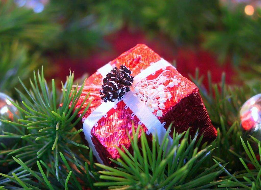 Как можно купить недорогие подарки на новый год