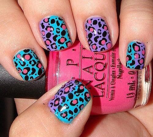 Маникюр на коротких ногтях - цветной леопард
