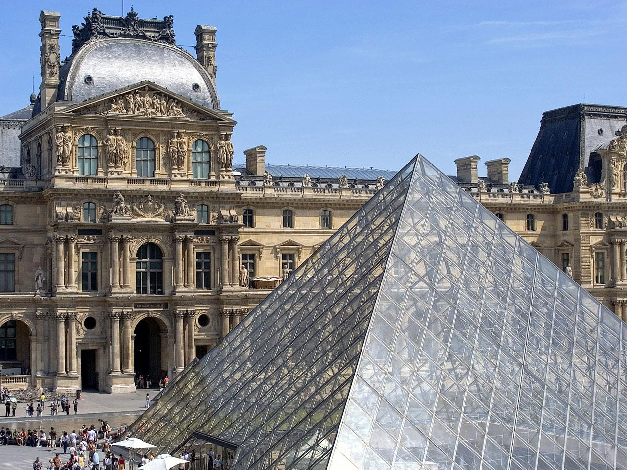Париж в апреле для путешественников - Лувр