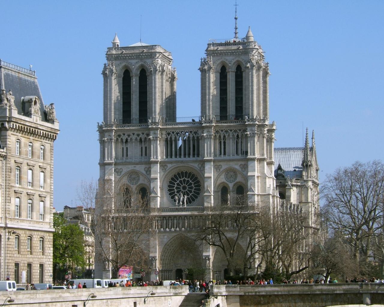 Париж в апреле для путешественников - собор парижской богоматери