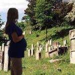 Беременным на кладбище
