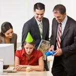 Обязаны ли Вы отмечать День рождения на работе