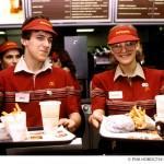 Работа сотрудника ресторана быстрого питания