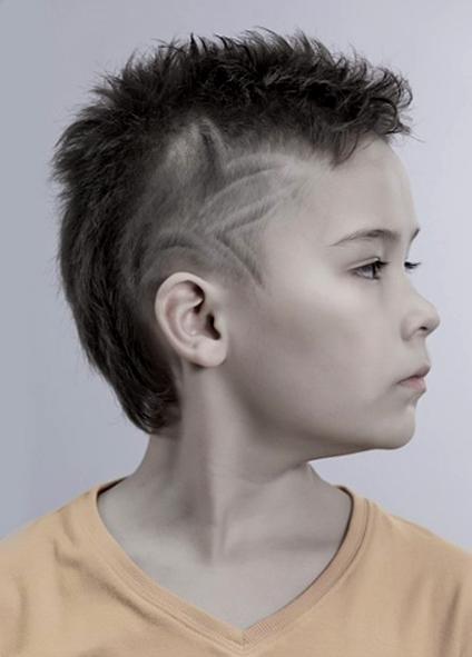 Укладка на бок на длинные волосы - d