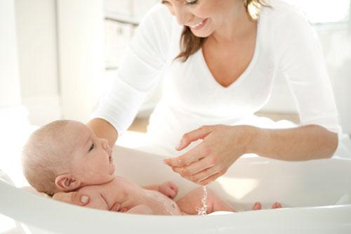 Травки и сборы для купания малышей – подробные советы для юных мам