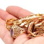 Где покупать ювелирные украшения и золото – в обычном магазине или через интернет?