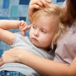 Как лечить ветрянку у детей: сколько мазать зеленкой, чем кормить и когда купать ребенка с ветрянкой?