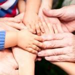 10 семейных традиций, которые сделают Вашу семью крепкой и счастливой
