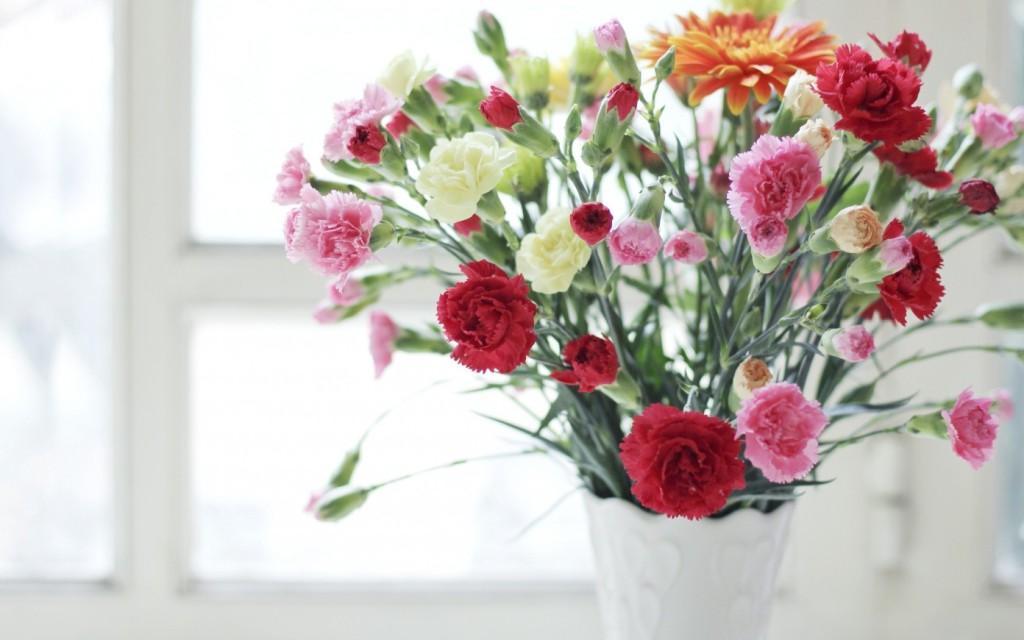 Как сохранить свежиже цветы подольше