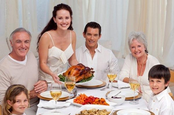 Молодая семья живет с родителями