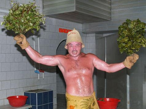 Дед занимается в бане