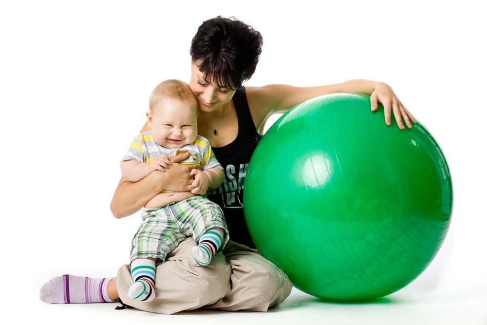 Польза фитбола для новорожденных
