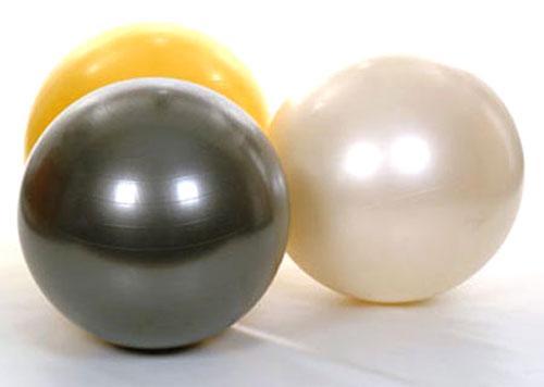 Как правильно выбрать мяч для фитбола новорожденных