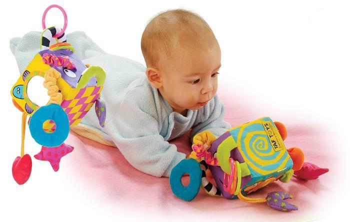 Лучшие развивающие игры для новорожденных от рождения до полугода