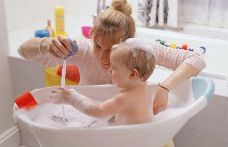 Как обеспесчить безопасность ребенка дома?