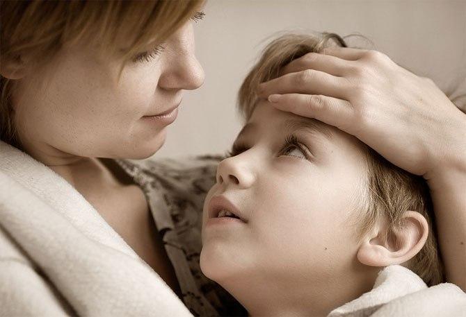 Мама заводит своего сына