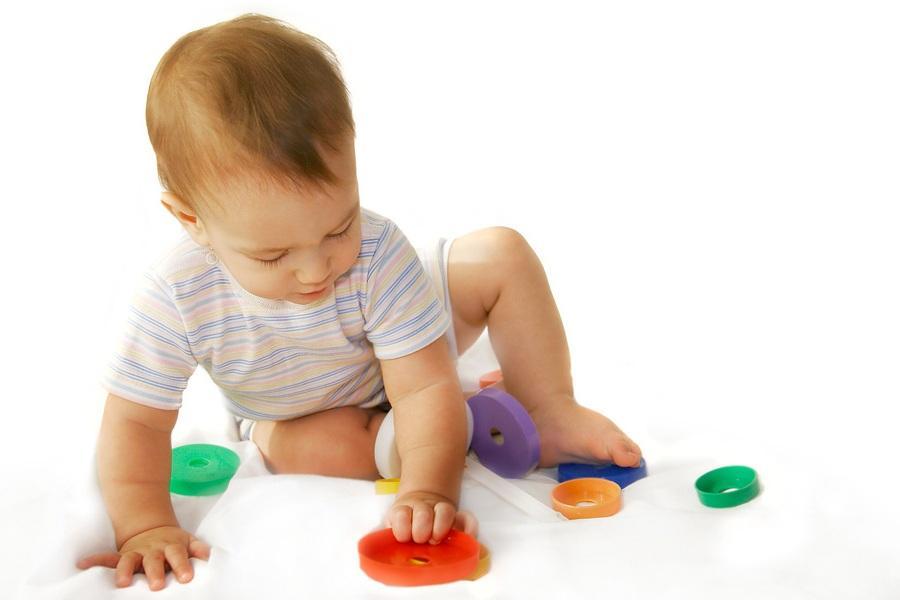 Лучшие развивающие игры для ребенка от 6 месяцев до года