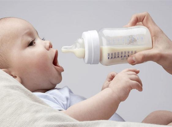 До какого возраста нужно кормить ребенка грудью
