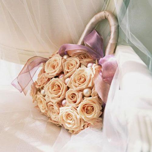 Какой букет подарить молодоженам на свадьбу