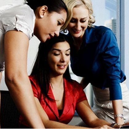 Особенности работы в женском коллективе – как ужиться и выжить среди подобных?