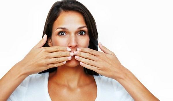 Почему возникает привкус горечи во рту