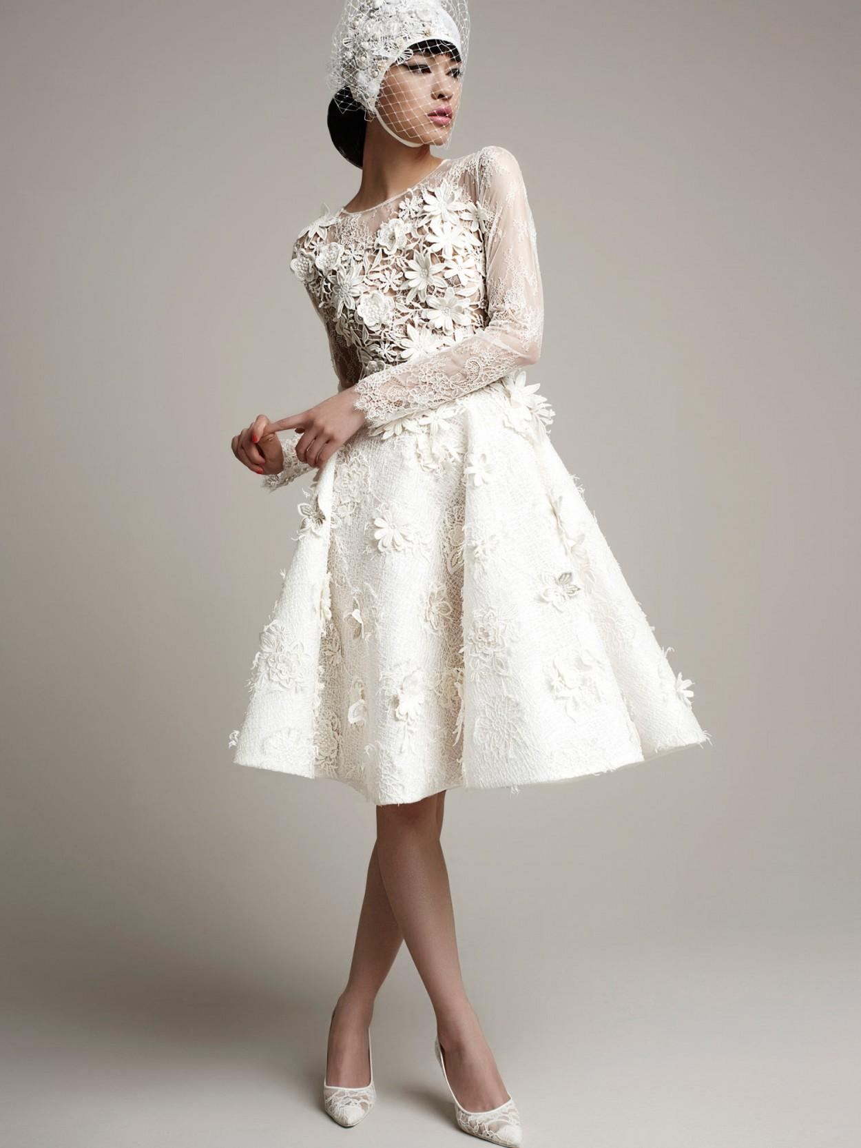 Стильное свадебное платье с болеро