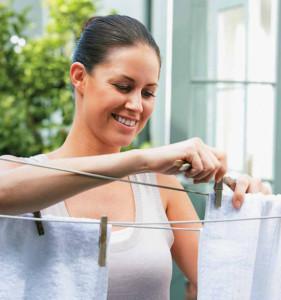 Как вывести пятна от пота с белой и темной одежды – 10 лучших рецептов