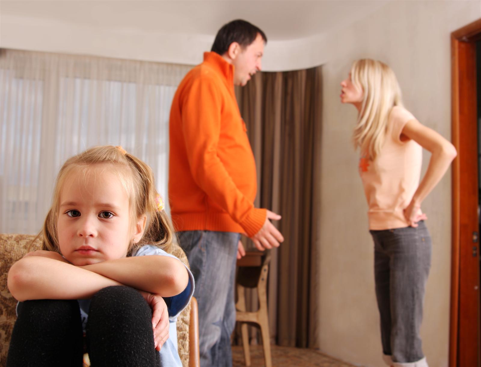 Тетя наказала племянника за двойки фото 677-463