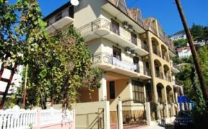 Лучшие отели в Абхазии - Клуб-отель «Amran», Гагры