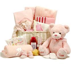 Что дарить на первые смотрины новорожденному?