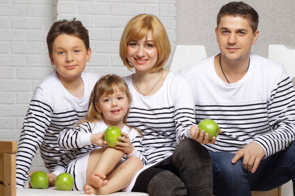 Одежда в стиле фэмили лук для всей семьи