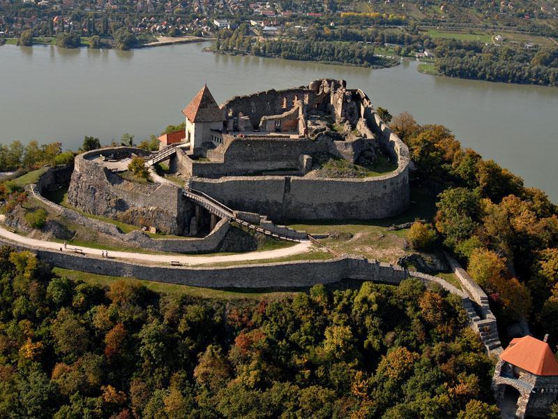 Замок Вышеград в Венгрии