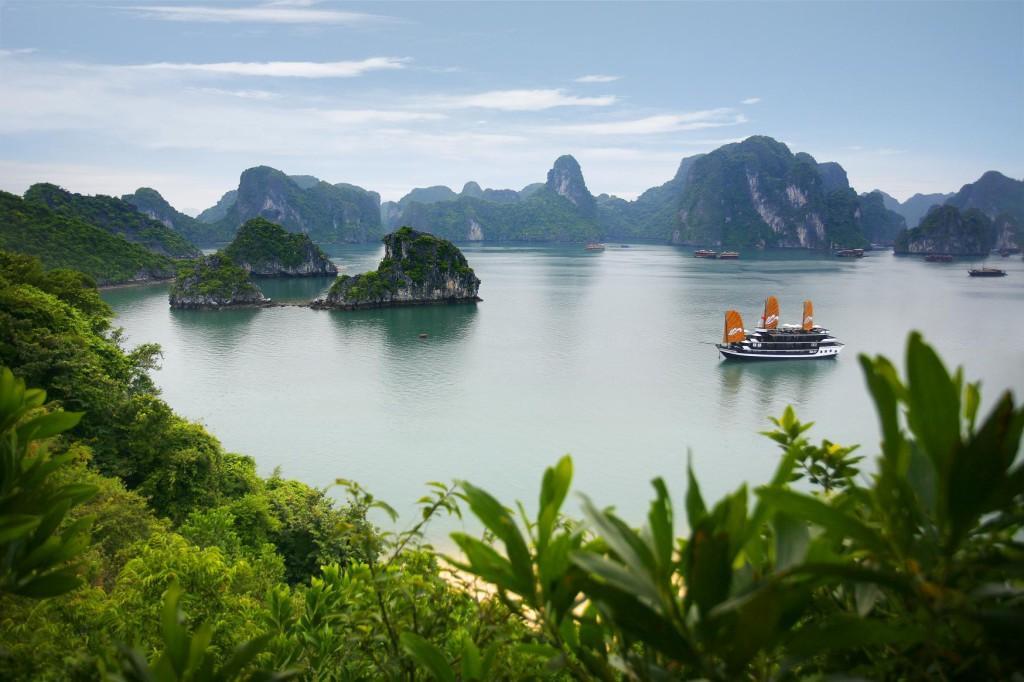Вьетнам - бухта Халонг