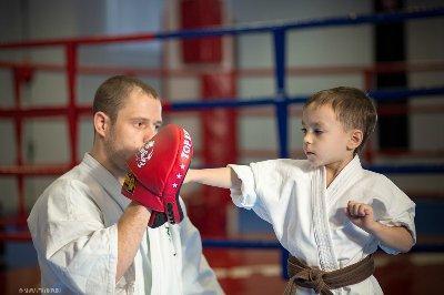 Кикбоксинг для мальчиков 4 -7 лет