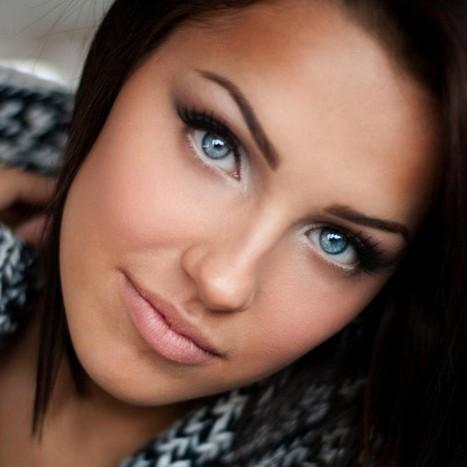 Лучшие варианты вечернего макияжа для брюнеток с карими, зелеными, серыми или голубыми глазами
