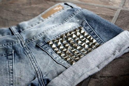 Заклепки на джинсах