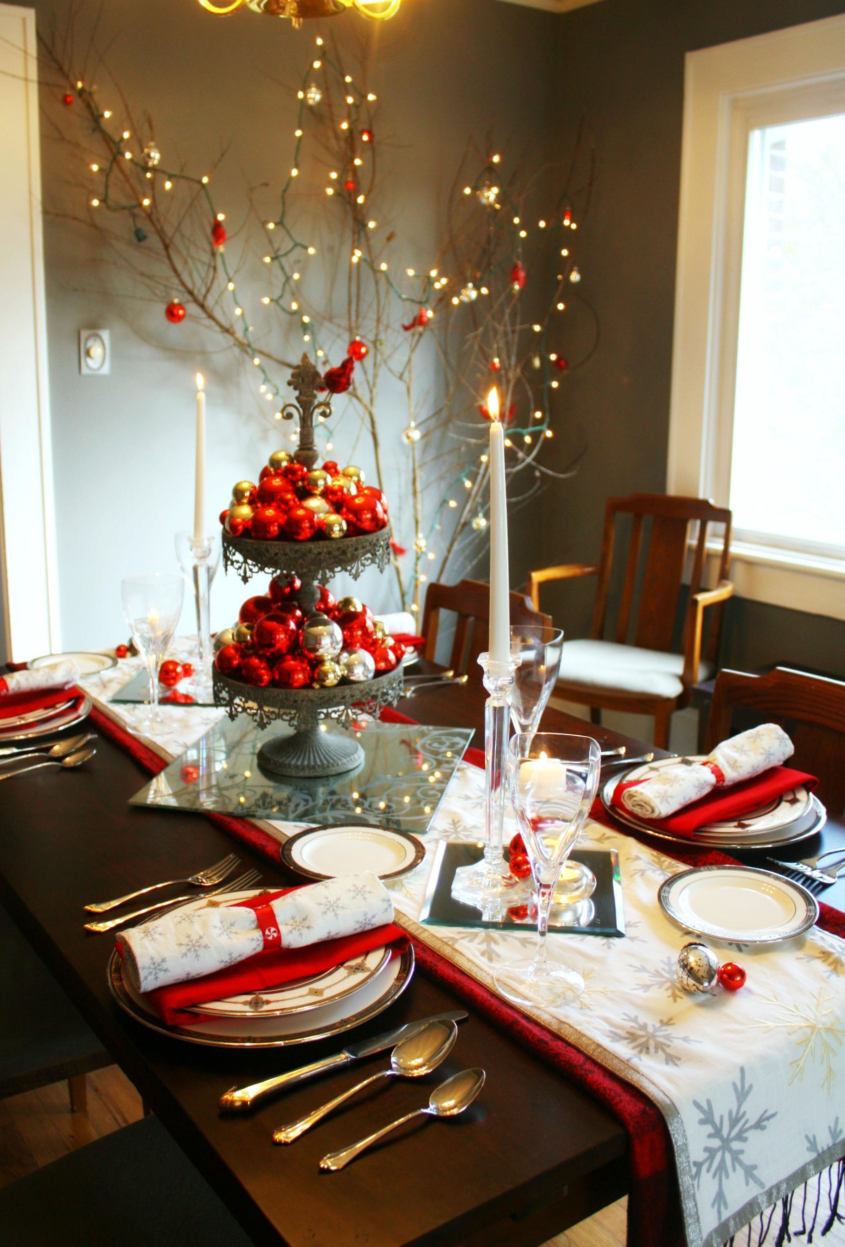 Украшение новогоднего стола на 2017 год Петуха