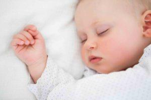 Сон ребенка от 0 до 1 года - нормы сна здоровых детей в таблице