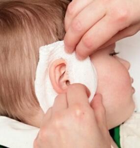 Виды компрессов на ухо взрослому или ребенку - инструкция, как поставить ушной компресс правильно