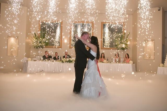 Сюрпризы жениху и невесте на свадьбу