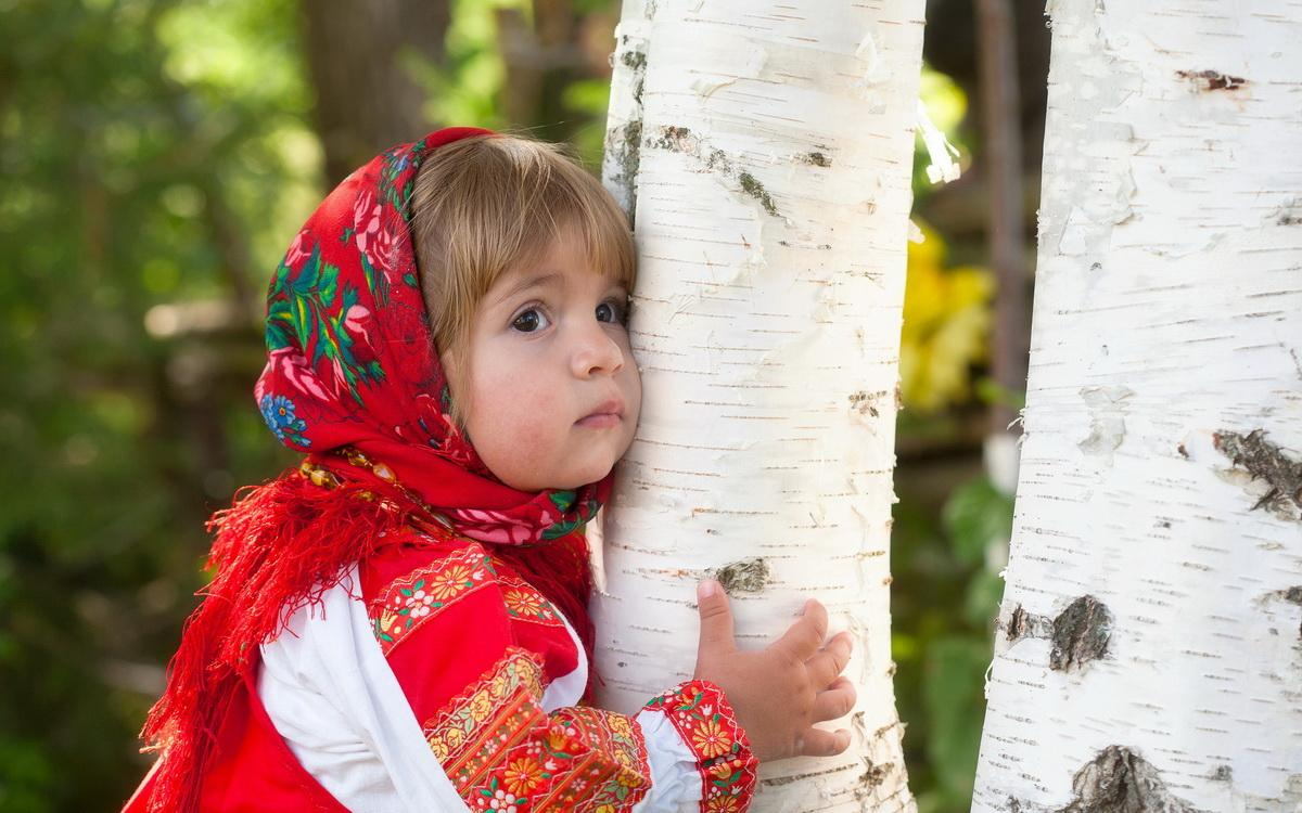 Тематические прогулки с детьми 2-5 лет - деревья