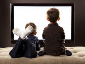 Дети и телевизор: что смотреть, в каком возрасте, сколько
