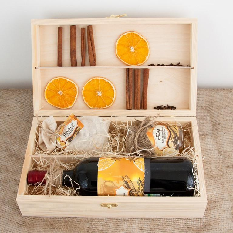 В подарок семейной паре - набор для глинтвейна