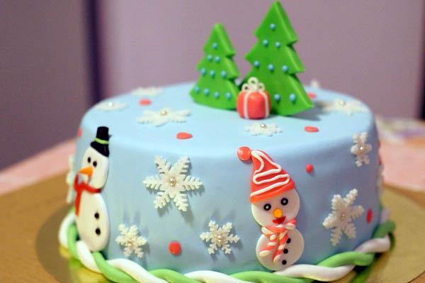 В подарок семейной паре - торт новогодний